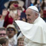Ο Πάπας των φτωχών «σκανδαλίζει» το Βατικανό